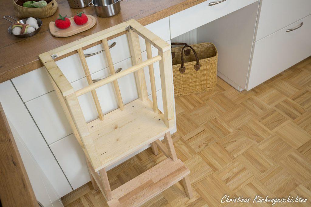 DIY Lernturm im Kücheneinsatz